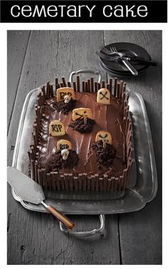 "Love this ""Cemetery"" cake for a Halloween dessert. Get all the details!"