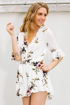 Sexy V neck Floral Falbala Jumpsuits – ebuytrends Full Length Skirts, Pants For Women, Clothes For Women, Jumpsuit Outfit, Straight Skirt, Leggings Fashion, How To Look Pretty, Floral Tops, Leggings Are Not Pants