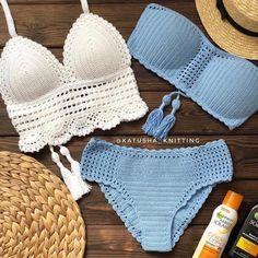 Summer Free Crochet Bikini Pattern Design Ideas for Th Crochet Bikini Pattern, Crochet Bikini Top, Crochet Blouse, Knitted Swimsuit, Swimsuit Pattern, Débardeurs Au Crochet, Mode Crochet, Crochet Flower, Crochet Lingerie