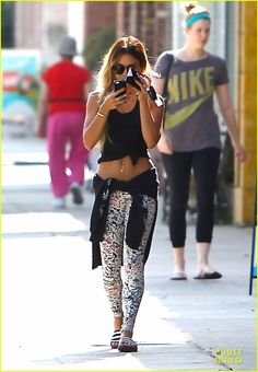 Vanessa Hudgens' Toned Tummy Shows Us that Gym Workouts Really Pay Off! | Vanessa Hudgens Photos | Just Jared