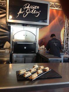 Este año en SSG'13 presentamos el Spanish Hot Dog by Albert Adrià, cocinado en el JOSPER.