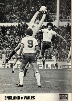 England 0 Wales 0 in May 1979 at Wembley. Dai Davies safely catches this England cross with Kevin Keegan lurking #HomeChamp