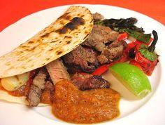 Chili und Ciabatta: Tortillas mit gegrilltem Ribeye Steak, Gemüse und El Paso Picante Sauce