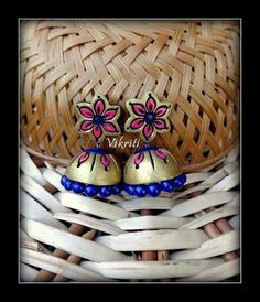 Terracotta Jhumkas Terracotta Jewellery Designs, Terracota Jewellery, Clay Earrings, Clay Jewelry, Terracotta Earrings, Doll House Crafts, Clay Design, Clay Tutorials, Clay Projects