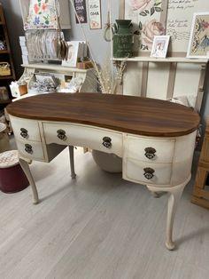 Blending e patina! News Design, Office Desk, Corner Desk, Entryway Tables, Fancy, Furniture, Home Decor, Home, Corner Table
