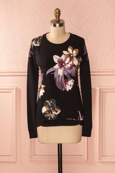 Repoussez le froid avec cet ensemble de fleurs lilas. Beat off the cold with this array of lilac flowers.