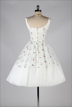 vintage 1950s dress . FRED PERLBERG . embroidered white