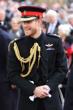 Prince Harry Photos - Prince Harry, Duke of Sussex attends the field of remembrance service at Westminster Abbey on November 2018 in London, England. - The Duke Of Sussex Visits The Field Of Remembrance At Westminster Abbey Prince Harry Divorce, Prince Harry Real Father, Prince Harry Hair, Prince Harry Military, Prince Harry Chelsy Davy, Prince Harry Young, Prince Harry And Kate, Prince Harry Wedding, Harry And Meghan Wedding