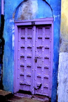 purple door, blue wall...love them together!