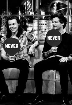 """""""Never have i evwr denied Larry"""" H&L: Larry Stylinson, One Direction Harry, One Direction Pictures, Larry Shippers, Memes, Louis Tomilson, Louis And Harry, Louis Williams, Wattpad"""
