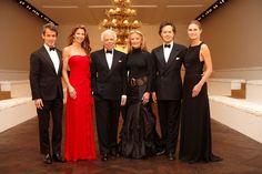 Andrew, Dylan, Ralph, Ricky, David et Lauren Bush Lauren ont organisé une soirée à Paris afin de rendre hommage à l'engagement dont a fait preuve l'entreprise lors de la restauration du célèbre amphithéâtre des Beaux-Arts