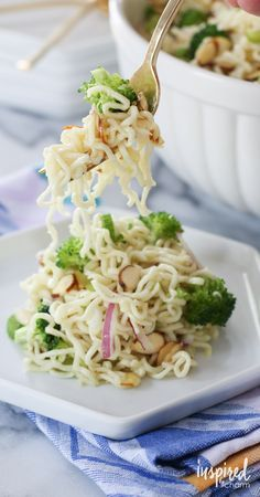 This Ramen Noodle Salad is a summer favorite! It's so easy and inexpensive to…