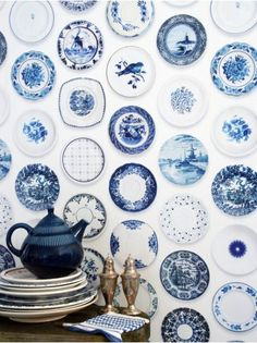 Delft Blue Plates Wallpaper - Love this, but I want a real collection of blue and white plates & dishes for our dining room!