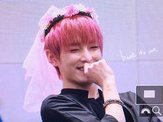 baek juho — i love his smile so much please help