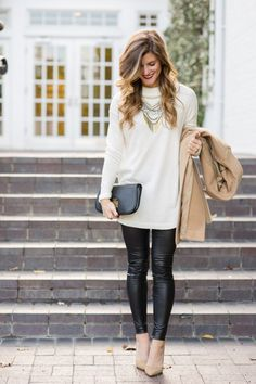 Faux Leather Leggings Outfit Legging Outfits, Leather Leggings Outfit, Outfit Jeans, Faux Leather Leggings, Leather Skirts, Leather Trousers, Grey Leggings, Leggings Fashion, Jeans Pants