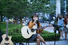 TASTORY : 타스토리! :: [공연후기] K팝스타 김아현 대학로 버스킹 공연 (15년 5월 9일, 대학로 마로니에 공원)