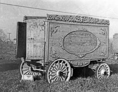 """Christy Bros Circus: Christy Bros Tableau posted 7 8 of 12 OK 1024x799 Christy Bros Circus Old tableau Cargo wagon.1909. It was named the """"Kangaroo"""" tableau, it's now at the Circus World Museum."""