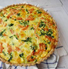 Az áfonya mámora: Füstölt lazacos spenótos quiche Quiche, Ricotta, Mozzarella, Baking, Eat, Breakfast, Drink, Food, Bread Making