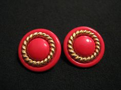 Vintage Avon 1988 Color Twist Round Gold Tone and by JewelryStash, $12.25