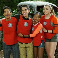 Jessie Tv Show, Karan Brar, Disney Ships, Disney Channel Shows, Nickelodeon, Gym Pants, Peyton List, Cameron Boyce, Disney Girls
