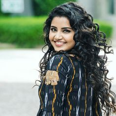 Good Morning Beautiful People, Anupama Parameswaran, Good Poses, Stylish Girl Pic, Most Beautiful Indian Actress, Indian Celebrities, South Indian Actress, Girls Image, India Beauty