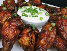Ranch Burgers, Pizza Hut, Chicken Salad Recipes, Salsa Ranchera, Restaurant Design, Deli, Bento, Chicken Wings, Restaurants