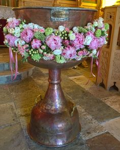 Baptism Church Flowers, Arte Floral, Christening, Floral Arrangements, Garland, Celebrations, Alice, Inspiration, Beautiful