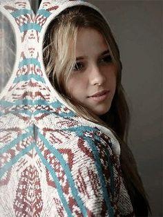 Son Luna, Babys, Celebrity, Blanket, Crochet, Girls, Characters, Disney Stars, Photos Tumblr
