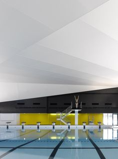 St-Hyacinthe Aquatic Centre / ACDF* | ArchDaily