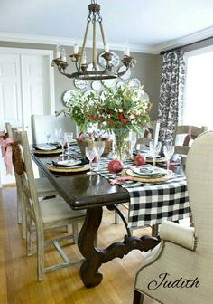 Outstanding The Chic Technique: Fall dining room table. The post The Chic Technique: Fall dining room table…. appeared first on Dol Decor . French Country Living Room, French Country Decorating, Country French, Driven By Decor, Home Interior, Christmas Home, England Christmas, Table Settings, Dining Table