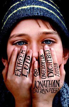 Extreem luid & ongelooflijk dichtbij - Jonathan Safran Foer May 2016 Film Books, Book Club Books, Good Books, Books To Read, My Books, Jonathan Safran Foer, Tom Hanks, Beatles, Famous Books
