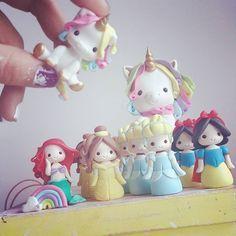 Sea lo que sea que decidas hacer, asegúrate de que te haga feliz. - Paulo Coelho #buendia #buenosdias #mañana #miercoles #cafe #suspiros #sueños #anhelos #inspiracion #hechoamano #feliz #fe #Dios #señor #porcelanafría #masaflexible #art #princesasdisney #diney #coldporcelain #lima #venezuela #vzla http://misstagram.com/ipost/1542091363716236742/?code=BVmm-zJgQXG