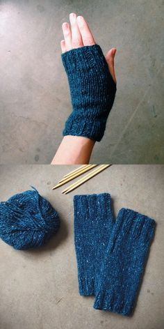 if you've ever wondered how to knit a pair of fingerless mittens, this Easy Fingerless Mitts Free Knitting Pattern is just for you.Einfache fingerlose Handschuhe Free Knitting Pattern Source by spSome Tips, Tricks, And Techniques For Your Perfect easy kni Fingerless Gloves Knitted, Crochet Gloves, Knit Mittens, Knit Or Crochet, Crochet Pattern, Free Pattern, Crochet Socks, Crochet Granny, Easy Knitting