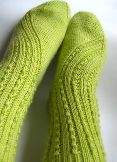 Ravelry: Popsicle socks pattern by Nicole Hindes Knitting Stiches, Knitting Socks, Hand Knitting, Knit Socks, Knitting Patterns, Crochet Patterns, Knitted Slippers, Ravelry, Lace Scarf