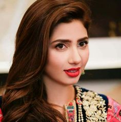 Mahira Khan HD Photos Mahira Khan is one of most popular & most beautiful actress of Pakistan who is a heartthrob not just for Pakistanis but for people all Pakistani Models, Pakistani Girl, Pakistani Actress, Pakistani Dramas, Pakistani Bridal, Indian Bollywood, Bollywood Stars, Mahira Khan Dramas, Mahira Khan Photos