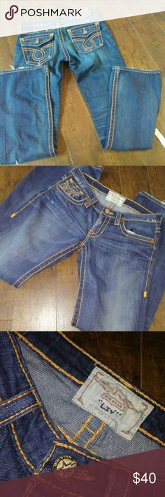 """💃BIG STAR VINTAGE """" LIV"""" Jeans Rare find...🌺 Excellent condition.. waist 15 across, rise 8, back rise 11, inseam 32Womens Stretch Blue Jeans  Tag Size 99% Cotton ~ 1% Spandex  -- Factory Fraying.  Zipper Fly w/ Button Closure  5 Pocket Style  Flap & Button Back Pockets. Big Star Jeans Boot Cut"""