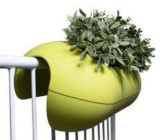 rephorm: Design für den Balkon / Design for the balcony / Möbel für kleine Räume: balconismo: Design Blumenkasten / design flowerbox...