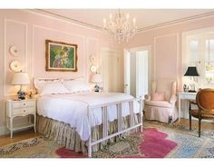 pink room..love the rug!