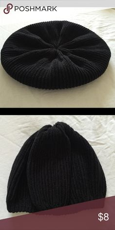 Women's Black Soft Hat/Beanie One Size Wonderful and stylish beanie/hat that can be worn with so many different outfits and styled differently. It's very versatile! Accessories Hats