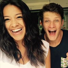 """""""God I love my cast. This is us, always. Brett, is clearly Team Michael #janethevirgin"""""""