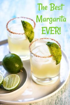 The BEST 4 Ingredient Margarita!!! #thecookierookie #margaritas #cocktail #partydrinks #healthyrecipes