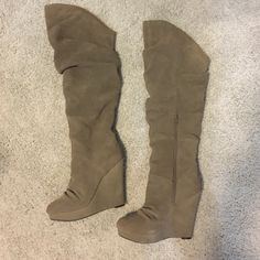 Steve Madden high knee boots Heel is 4 1/2 inches. Beige, Brand new never even worn ! Just too high for me Steve Madden Shoes Over the Knee Boots