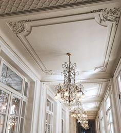 Plaster Ceiling Design, Gypsum Ceiling Design, House Ceiling Design, Ceiling Design Living Room, Bedroom False Ceiling Design, Ceiling Light Design, Ceiling Decor, Pop Design For Roof, Cornices Ceiling