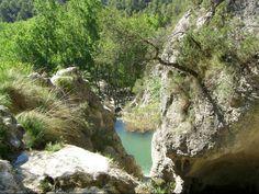 A los pies del Parque Natural Font Roja se encuentra este maravilloso rincón, el Racó de Sant Bonaventura, con nacimientos de agua y cascadas. #Alcoy #Alcoi #naturaleza