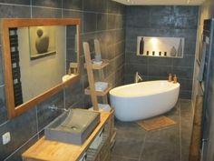 Salle de bain zen et nature carrelage imitation bois - Idee salle de bain zen et nature ...