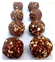 Hazelnut and cacao nutella protein balls- they taste just like nutella! Gluten free, dairy free, vegan & paleo.