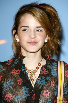 The Beauty Evolution of Emma Watson, from Bare-Faced Hermione to Red-Carpet Queen   Teen Vogue