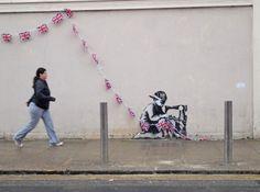 """""""Travail d'esclave"""", l'œuvre de l'artiste de rue Banksy, dans le quartier de Haringey à Londres"""