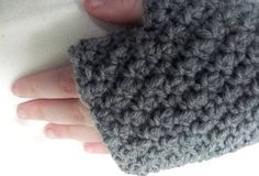 Bofur Fingerless gloves<<<I've made one of these so far (I'm being Bofur for BOTFA