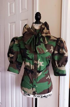 Amazing and Elegant Blouse with Bow and Puff Sleeves Bow image 0 Military Inspired Fashion, Military Fashion, Bow Image, Army Fatigue, Accesorios Casual, Ideas Geniales, Bow Blouse, Fashion Outfits, Womens Fashion